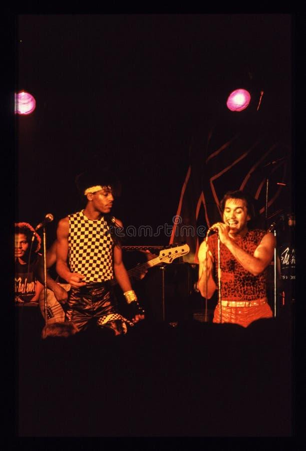 Jouer de bande de Shalamar vivent dans le début des années 1980 du R-U fin 1970 s photographie stock libre de droits