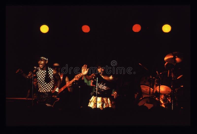 Jouer de bande de Shalamar vivent dans le début des années 1980 du R-U fin 1970 s photos libres de droits