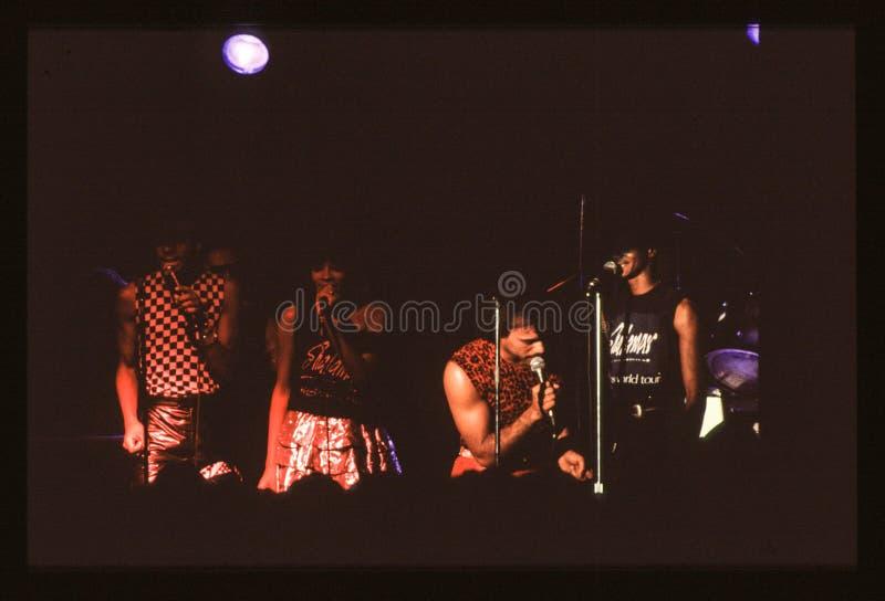 Jouer de bande de Shalamar vivent dans le début des années 1980 du R-U fin 1970 s image libre de droits
