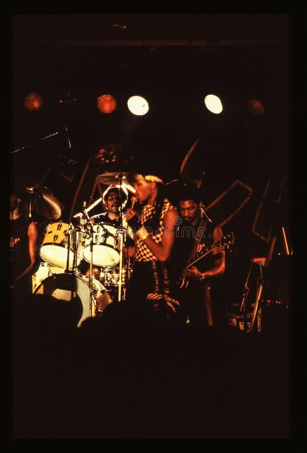 Jouer de bande de Shalamar vivent dans le début des années 1980 du R-U fin 1970 s image stock
