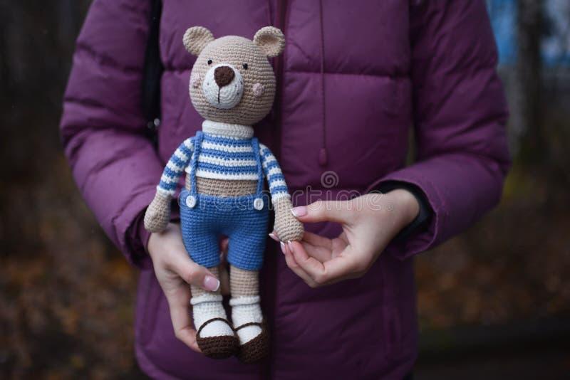 Jouet d'Amigurumi Teddy photos stock