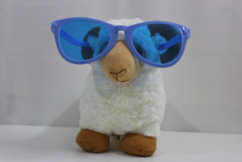 Jouet de moutons pour des enfants photographie stock libre de droits