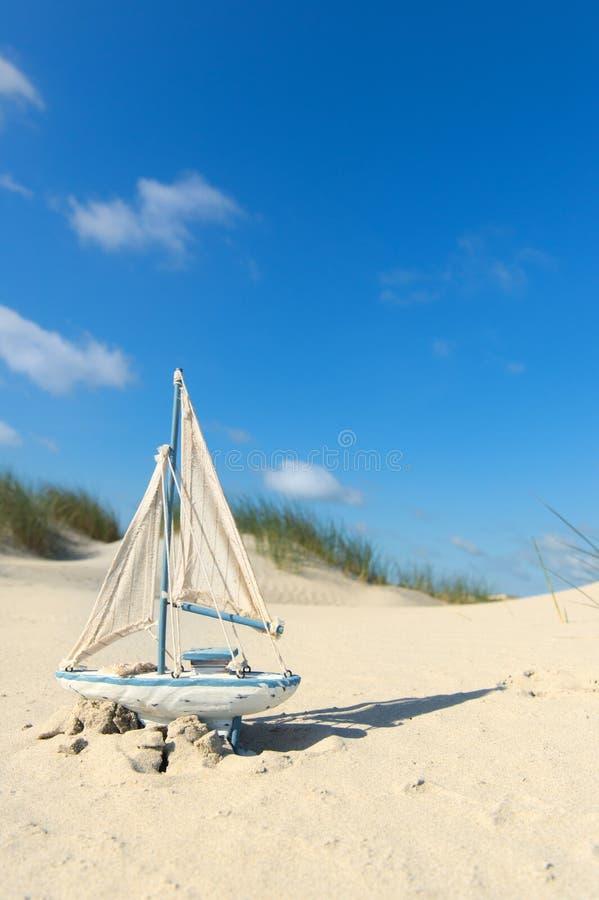 Jouets à la plage photo libre de droits