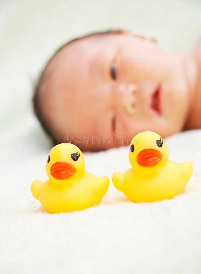 Jouets de chéri et de canard photo libre de droits