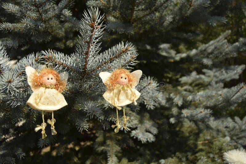 Jouets de Noël sous forme d'anges photo stock