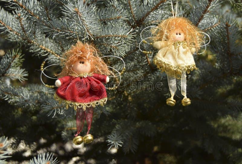 Jouets de Noël sous forme d'anges photo libre de droits