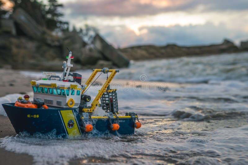 Jouets en plastique de construction de lego coloré photographie stock