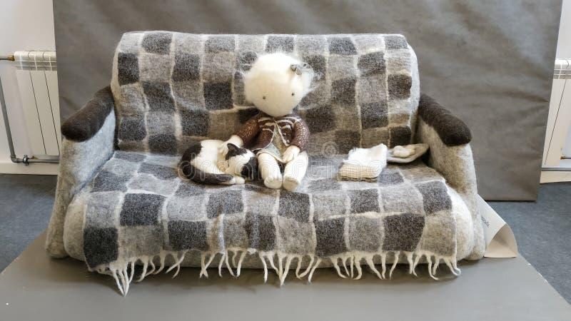 Jouets faits de feutre et laine felted photo stock
