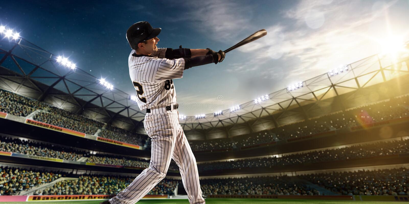 Joueur de baseball professionnel dans l'action photo libre de droits