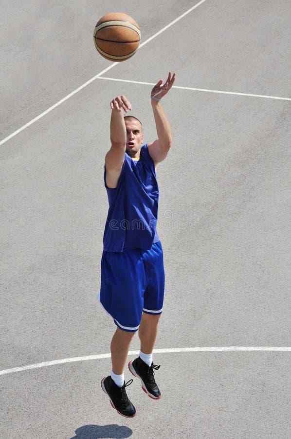 Joueur de basket photographie stock libre de droits