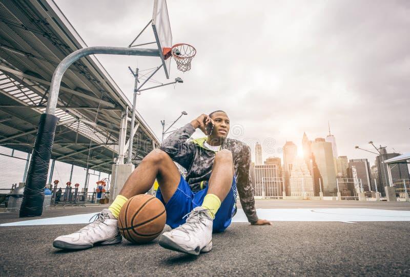 Joueur de basket photo libre de droits