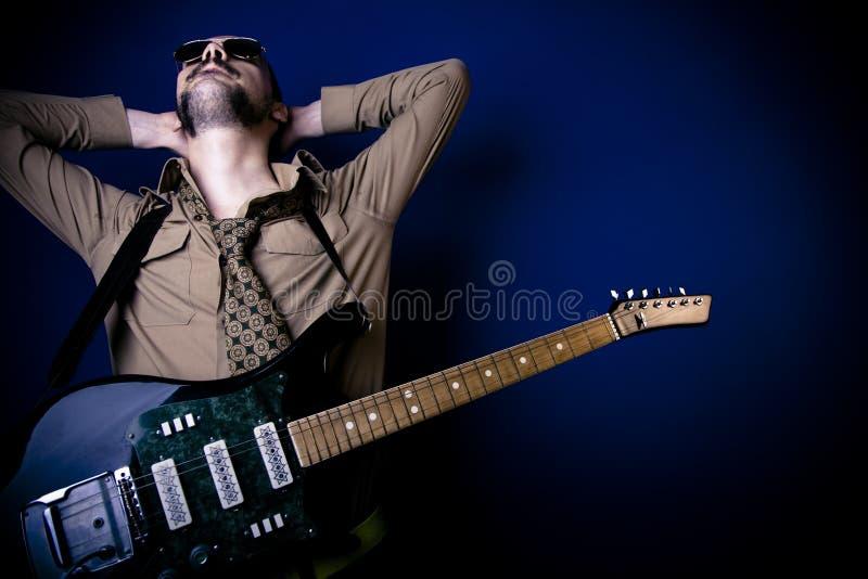 Joueur de guitare de roche photos stock