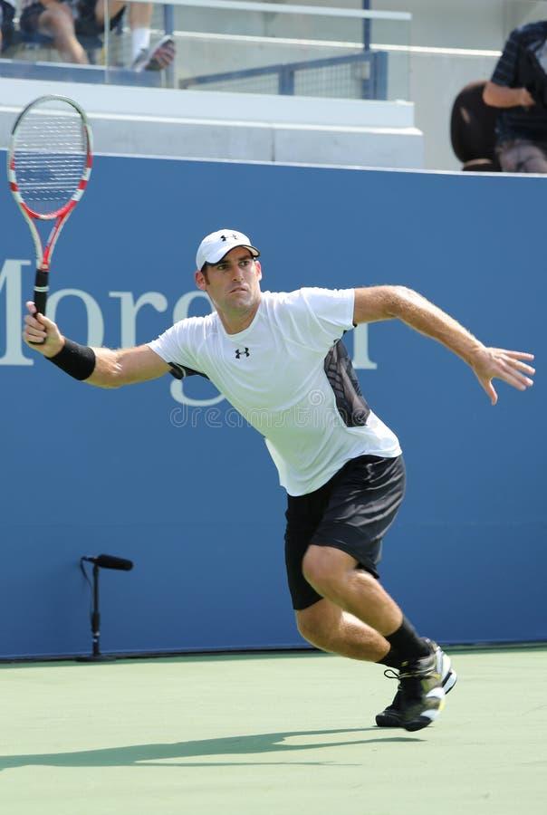 Joueur de tennis professionnel Robby Ginepri pendant le match de match de qualification à l'US Open 2013 image stock