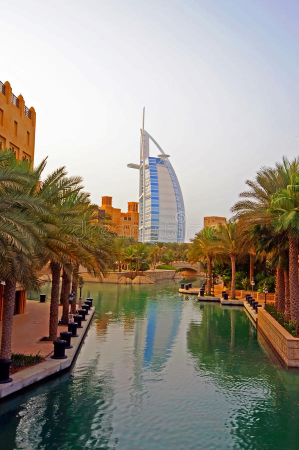jour arabe de burj d'Al photos stock