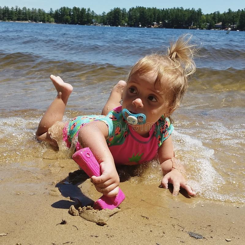 Jour au lac images stock