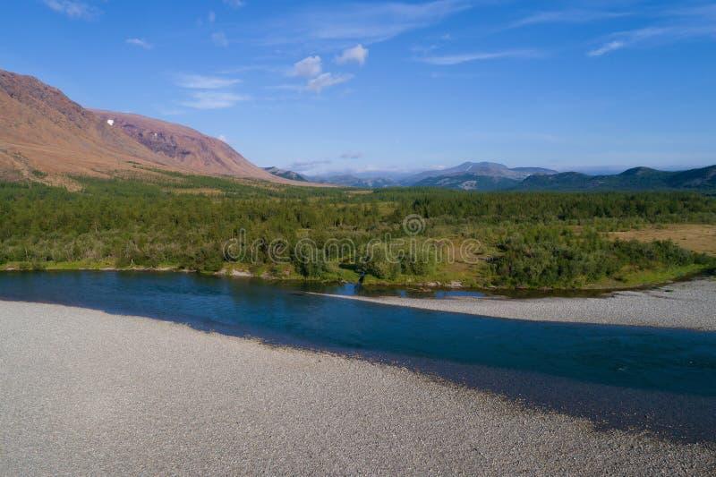 Jour auguste ensoleillé dans la photographie aérienne polaire d'Ural Russie photographie stock libre de droits