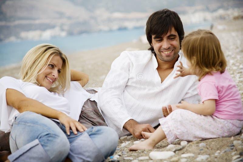 Jour de famille à l'extérieur images stock