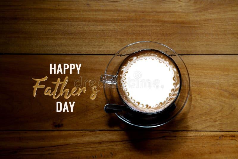 Jour de pères heureux, vue supérieure de café sur la table en bois photographie stock libre de droits