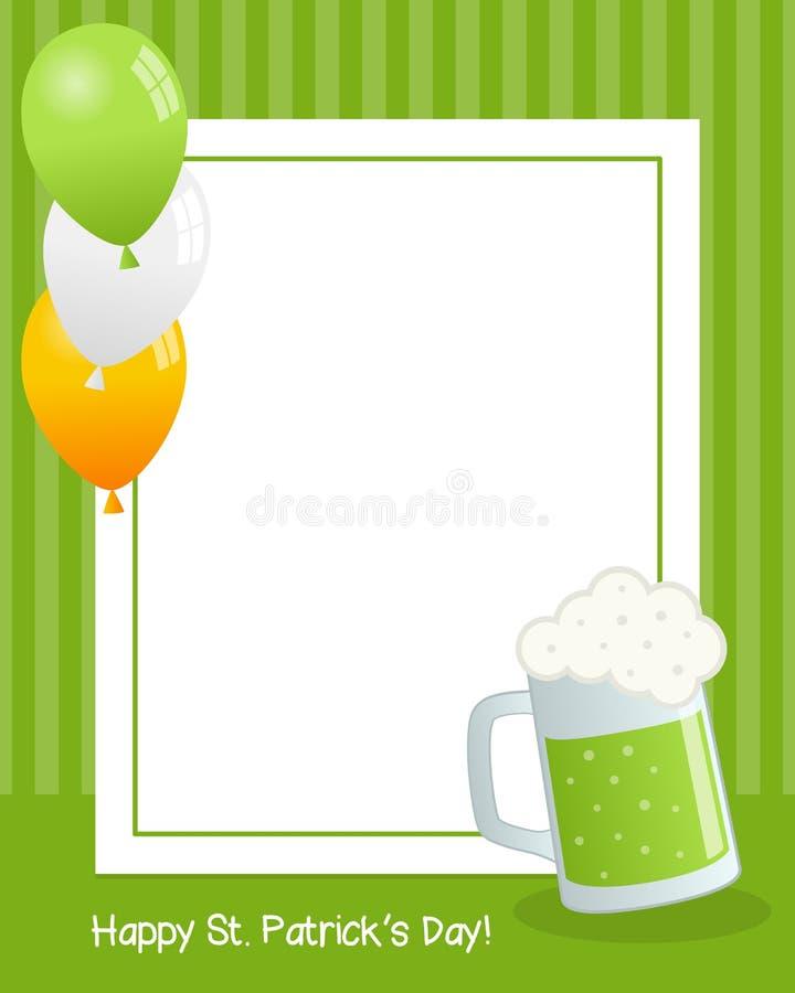 Jour du ` s de St Patrick avec la vue de verticale de bière illustration de vecteur
