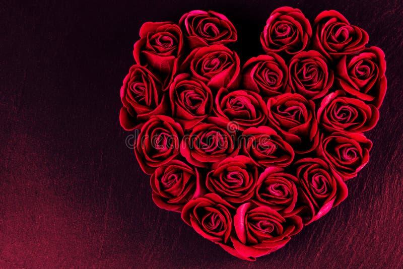 Jour du ` s de Valentine - coeur des roses photographie stock libre de droits