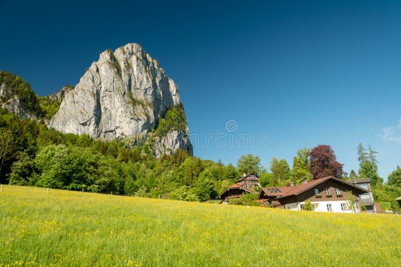 Jour ensoleillé au-dessus de la crête de drachenwand - célèbre pour beau par l'intermédiaire du ferrata, l'Autriche photo stock