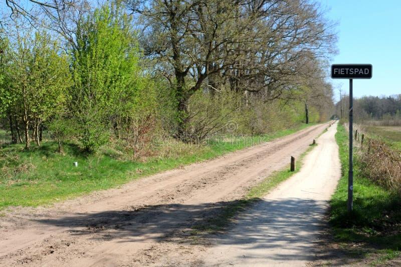 Jour ensoleillé pendant le ressort chez Buurserzand, les Pays-Bas photos libres de droits