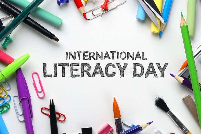 Jour international d'instruction Vue supérieure stationnaire d'école images stock