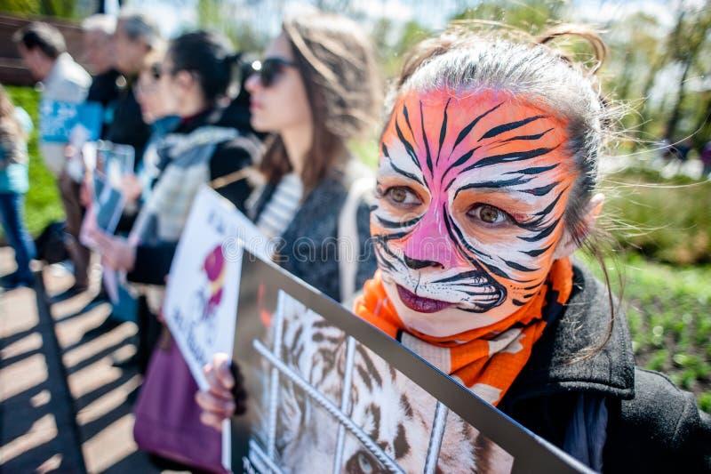 Jour international de cirque Activistes protestés contre l'exploitation les animaux photos stock