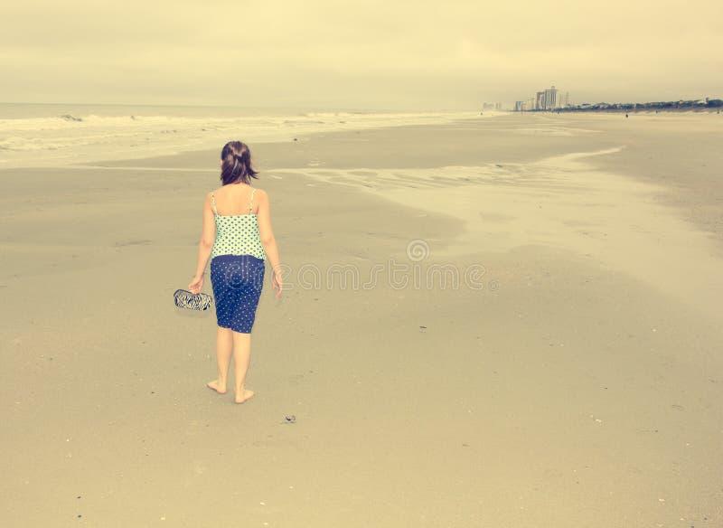 Jour nuageux de plage image libre de droits