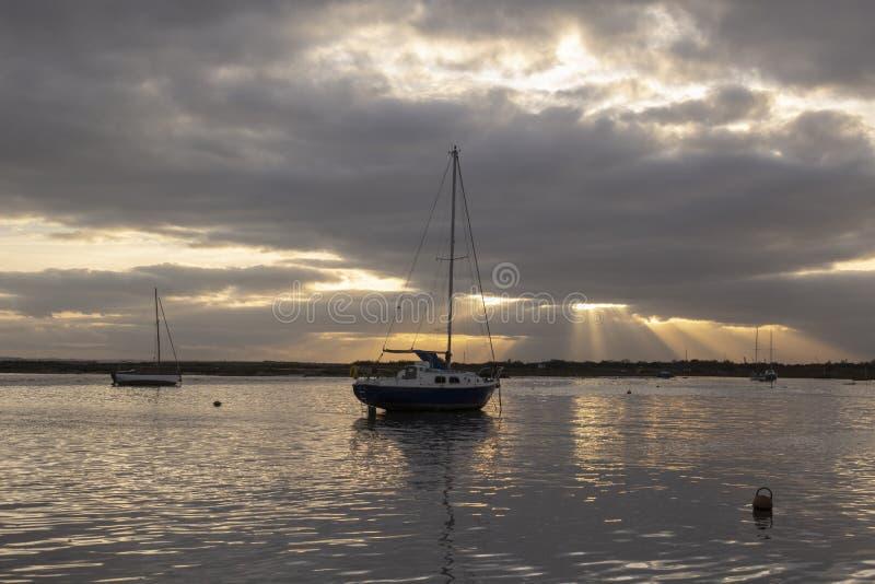 Jour orageux à la Leigh-sur-mer, Essex, Angleterre photos libres de droits