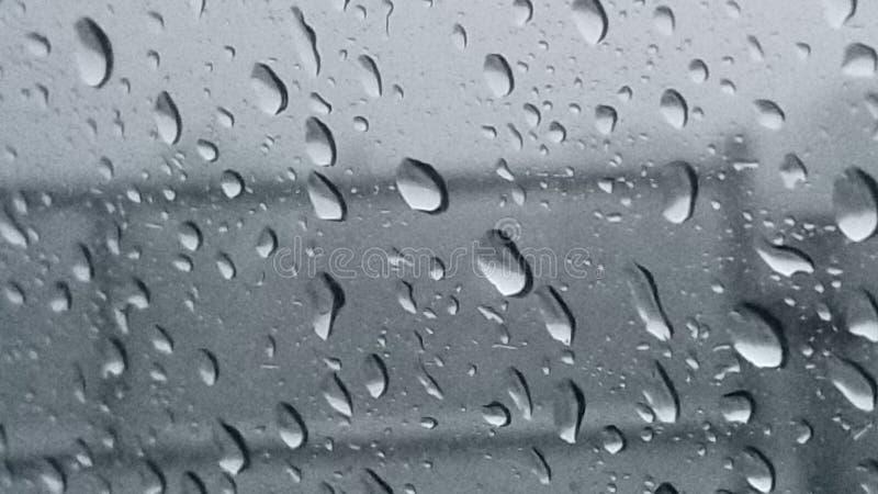 Jour pluvieux image stock. Image du pluie, pluvieux - 138107345