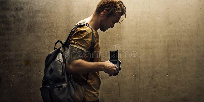 Journalist för fotografCamera DSLR skytte royaltyfria bilder