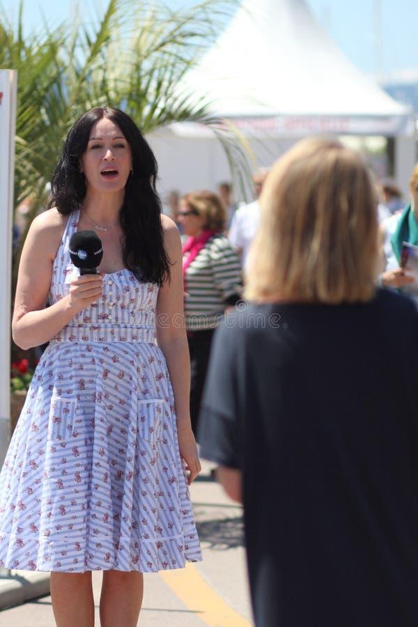 Journaliste Pendant Le Festival De Cannes Image éditorial