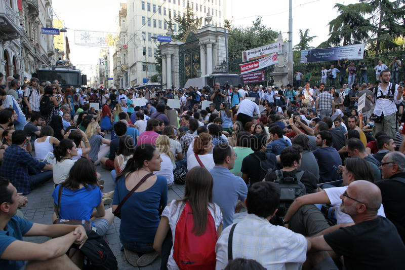 Download Journalists Protest In Istanbul Editorial Stock Photo - Image: 32516818