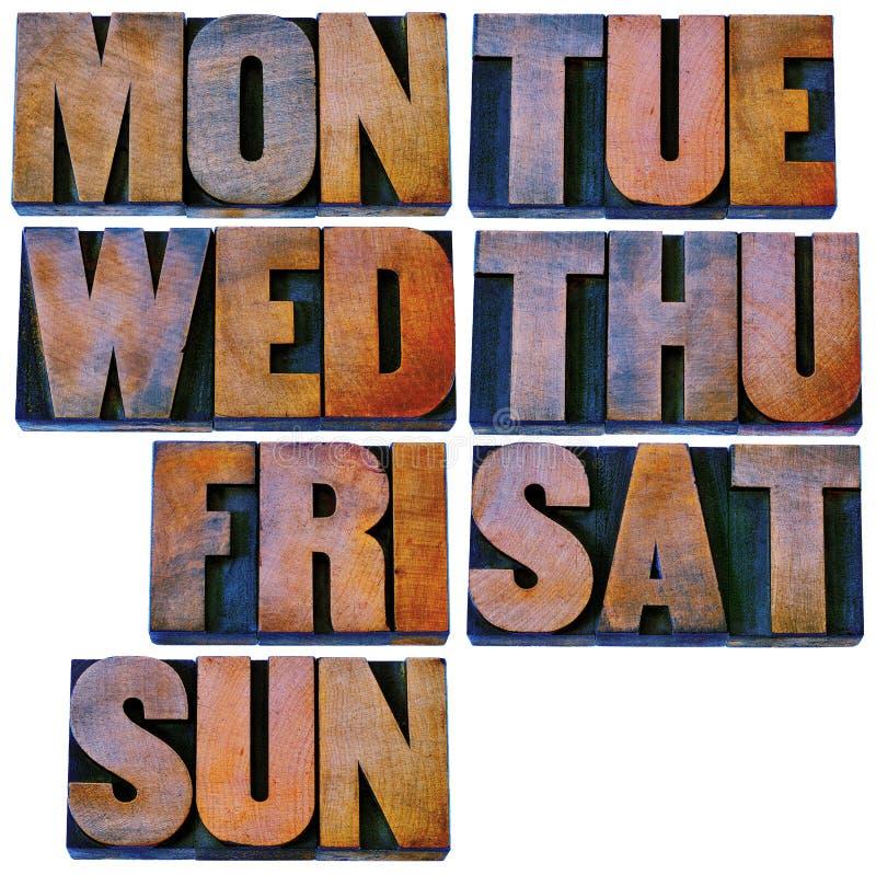 Jours de semaine dans le type en bois d'impression typographique photos libres de droits