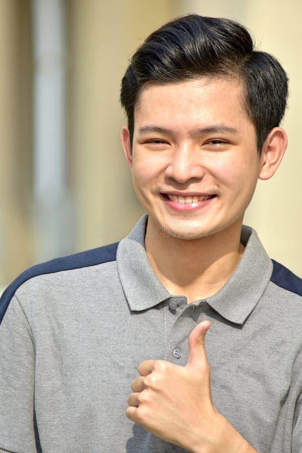 Jovem masculino feliz imagem de stock