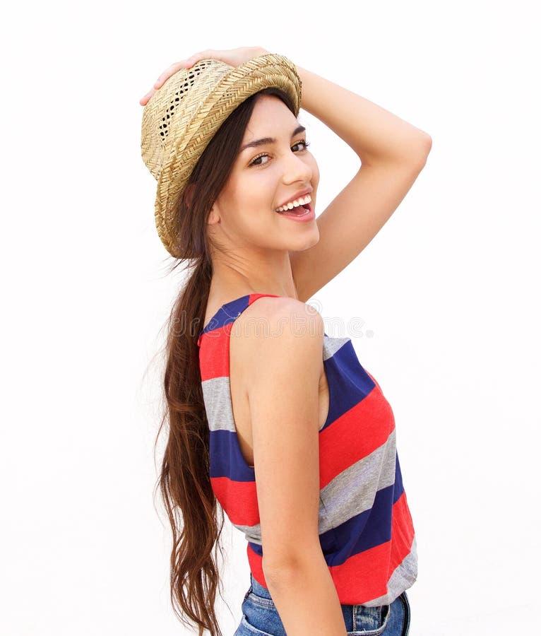 Jovem mulher alegre com chapéu foto de stock