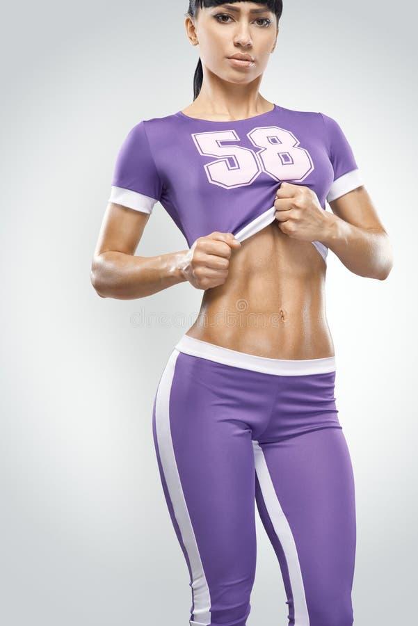 Jovem mulher atlética da aptidão fotografia de stock