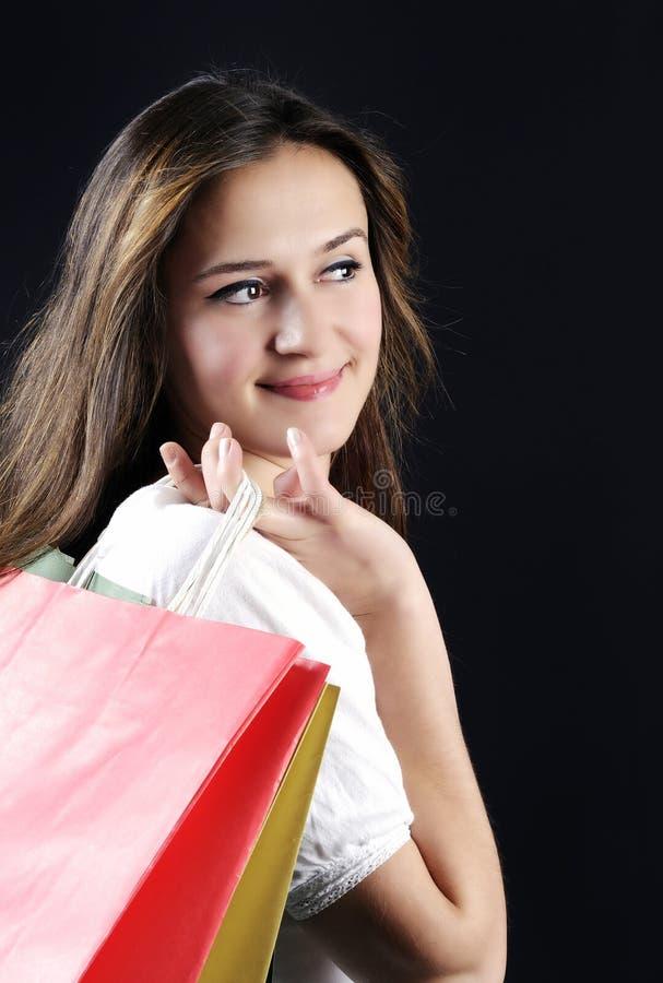 Jovem mulher atrativa de compra imagens de stock royalty free