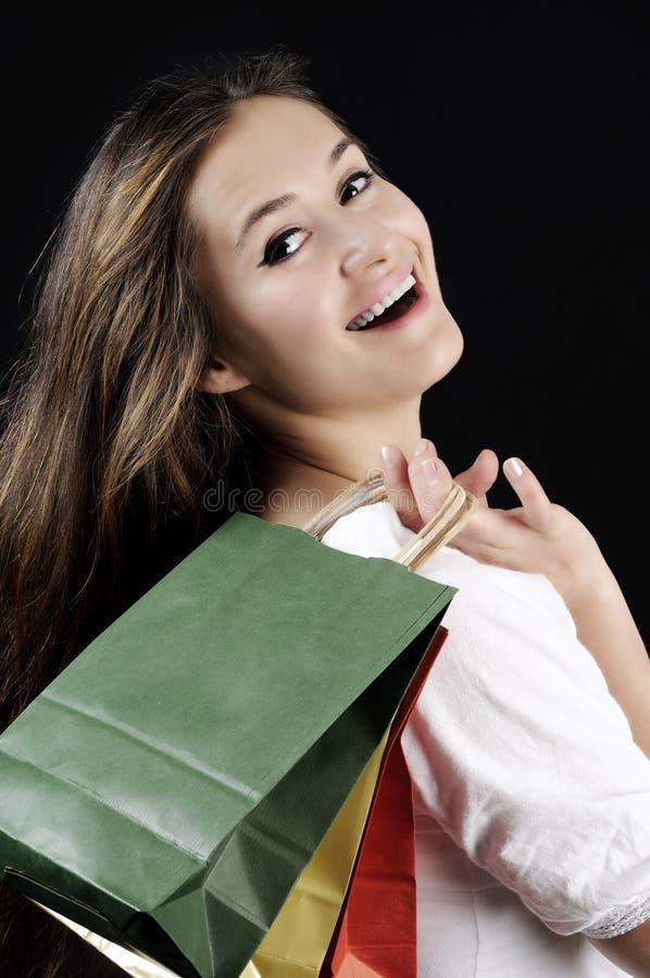 Jovem mulher atrativa de compra imagens de stock