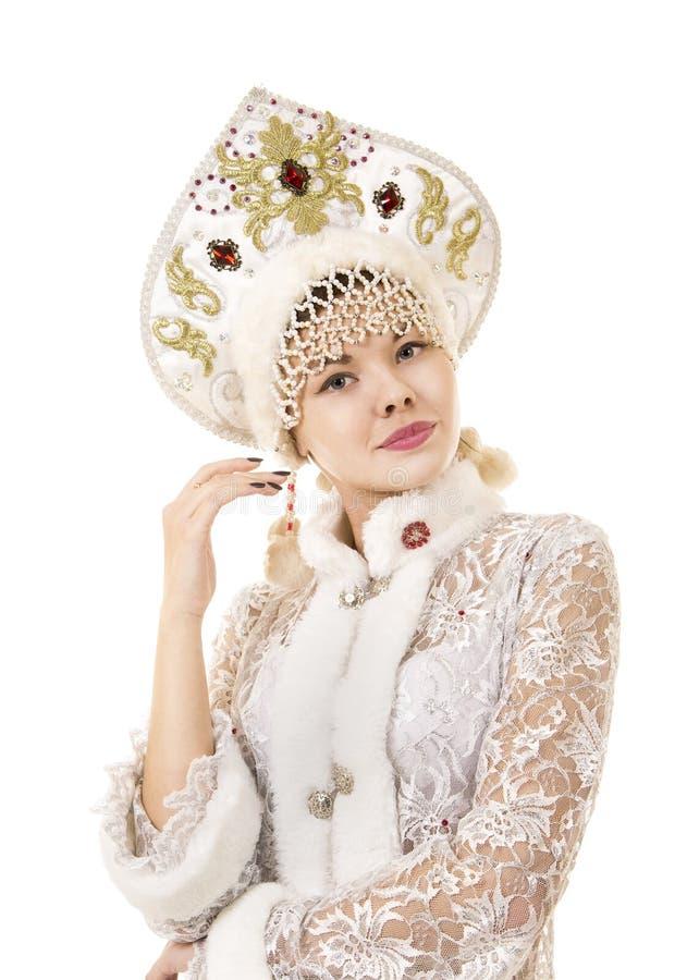 Jovem mulher bonita, feliz, emocional vestida como o sorriso de Santa Claus Carnaval Natal-novo do ano fotos de stock