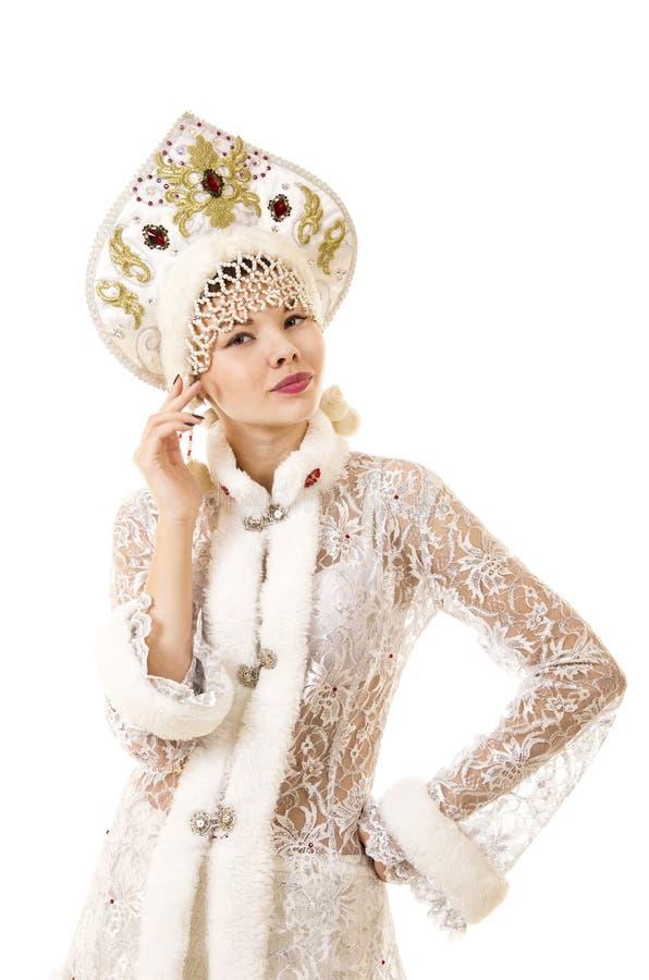 Jovem mulher bonita, feliz, emocional vestida como o sorriso de Santa Claus Carnaval Natal-novo do ano imagem de stock royalty free