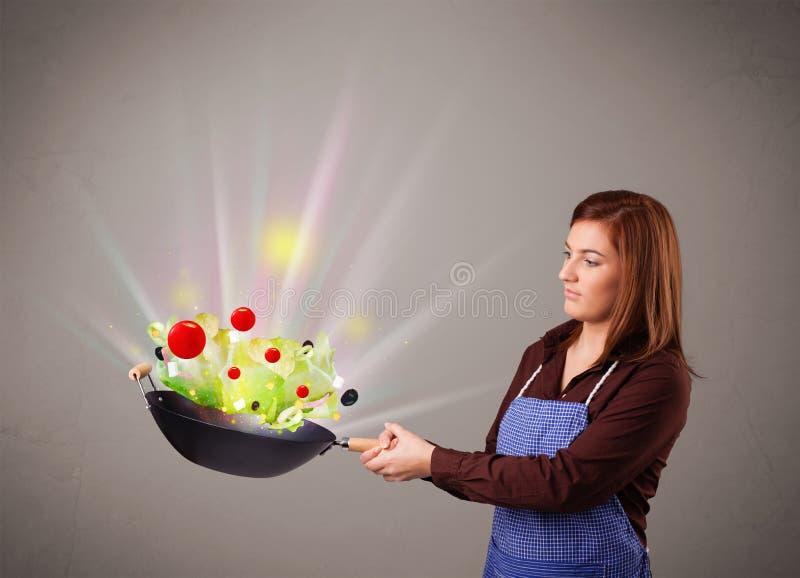 Download Jovem Mulher Que Cozinha Legumes Frescos Ilustração Stock - Ilustração de saúde, cenoura: 29844931