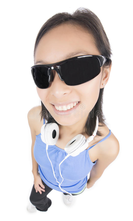 Jovem mulher com óculos de sol fotografia de stock