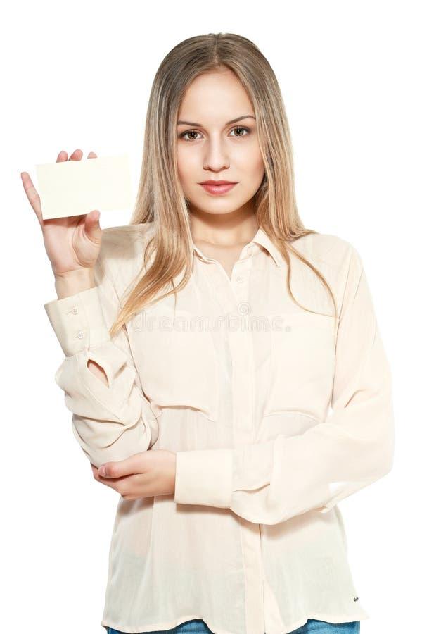 Jovem mulher com cartão vazio imagem de stock royalty free