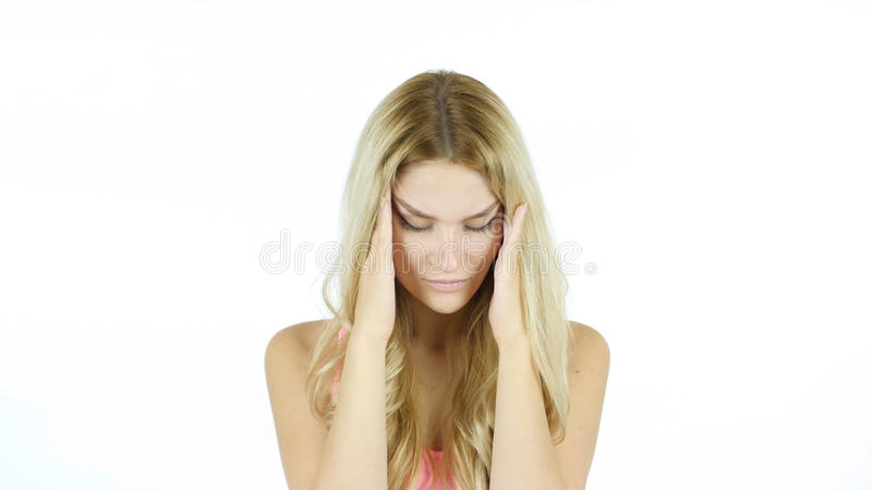 Jovem mulher com dor de cabeça, frustração, tensão, fundo comprimido, branco foto de stock royalty free
