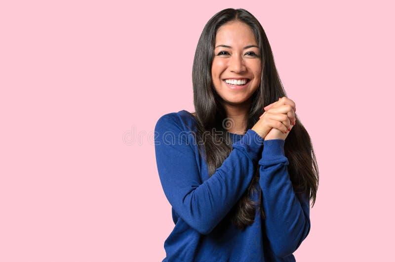 Jovem mulher exaltada entusiasmado imagem de stock royalty free