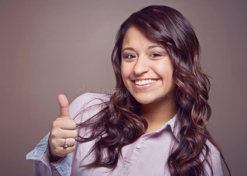 Jovem mulher feliz fotografia de stock royalty free