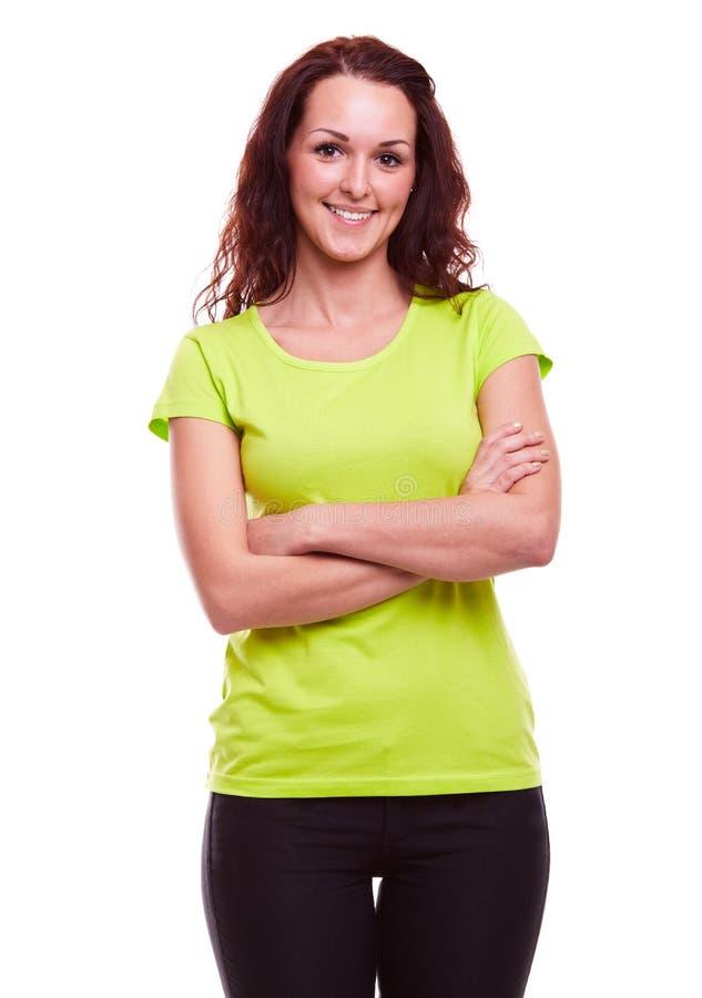 Jovem mulher no t-shirt verde imagens de stock royalty free