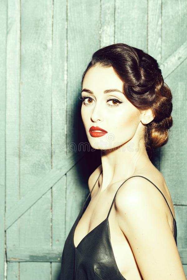 Jovem mulher sensual elegante imagens de stock royalty free